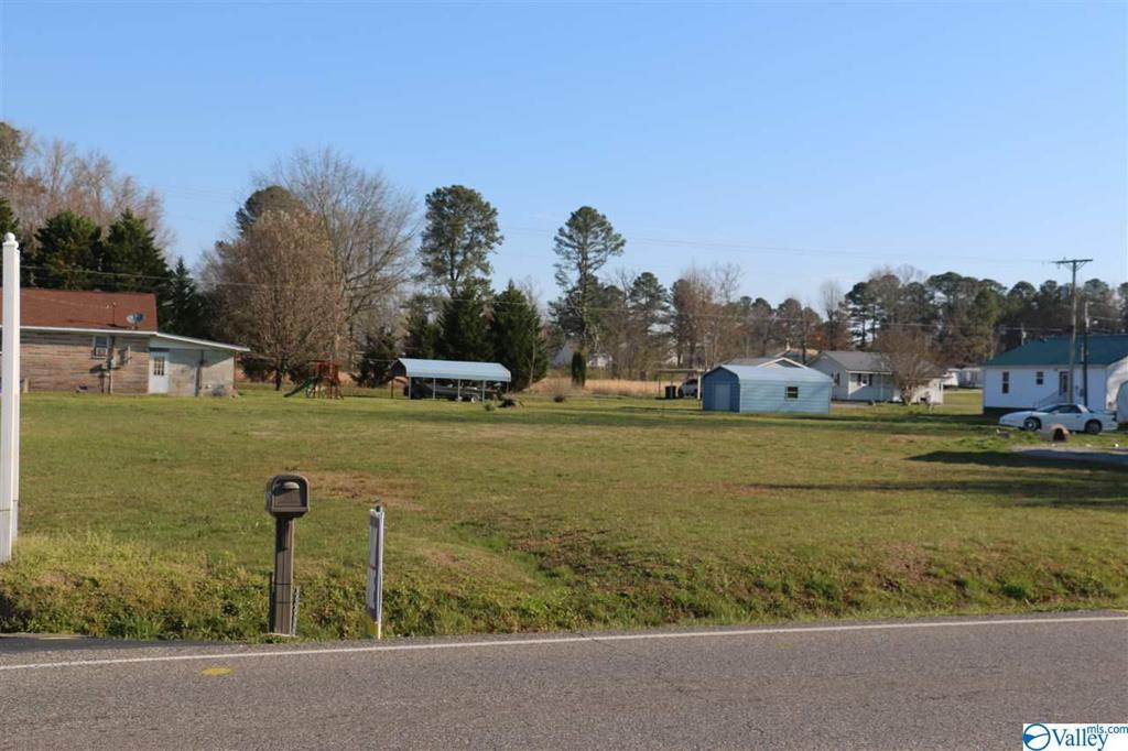 Photo of home for sale at 27051 Main Street, Ardmore AL