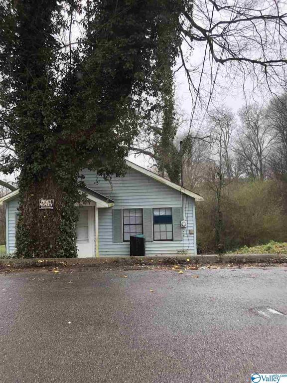Photo of home for sale at 325 Cherokee Street, Florence AL