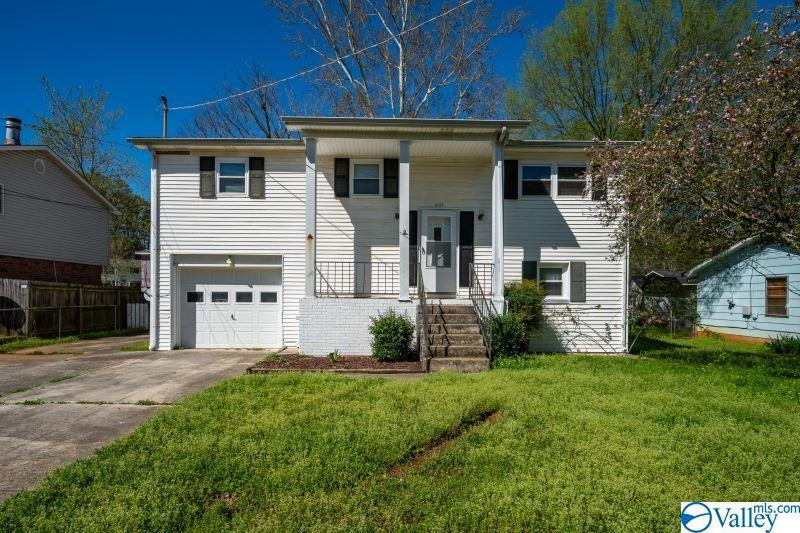 Photo of home for sale at 4018 Sewall Drive, Huntsville AL