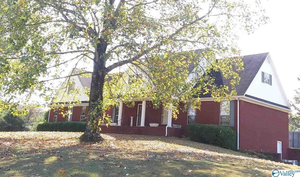 Photo of home for sale at 15700 Evans Road, Athens AL