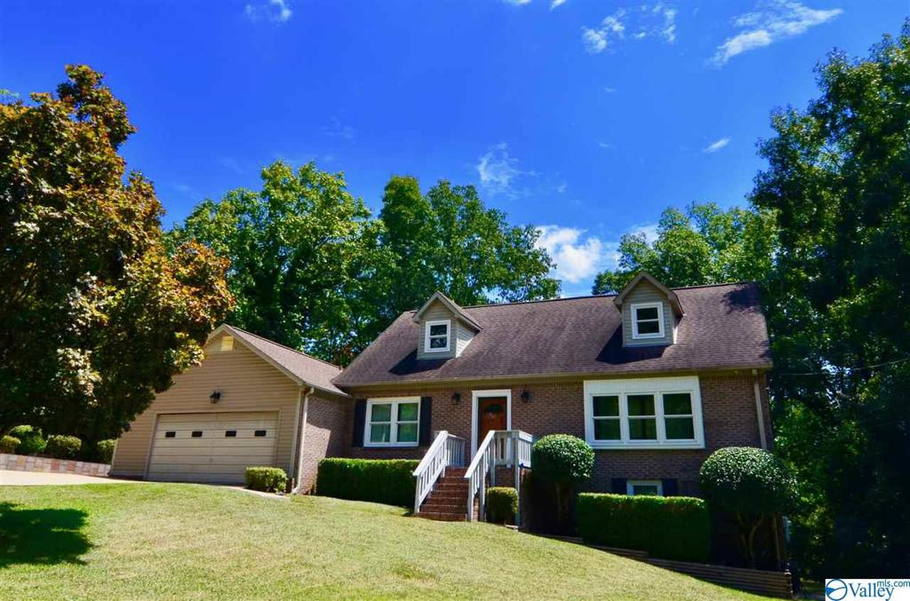 Photo of home for sale at 216 Merit Circle, Gadsden AL