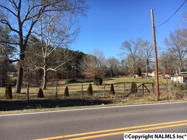 Photo of home for sale at 1 Steele Station Road, Rainbow City AL