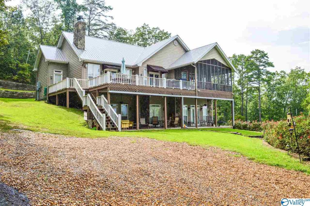 Photo of home for sale at 355 County Road 594, Leesburg AL