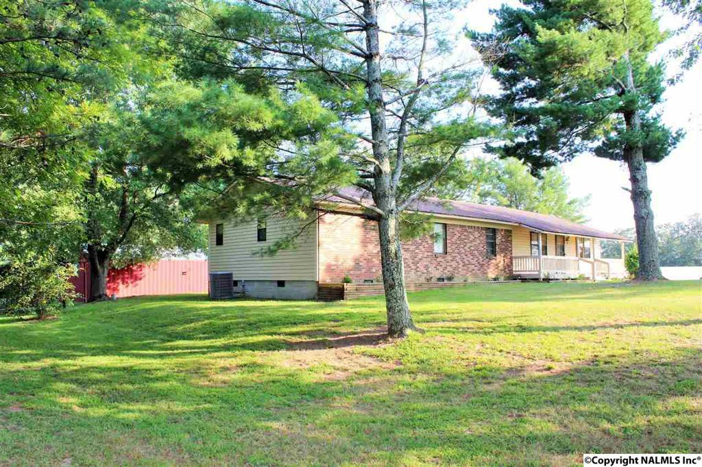 Photo of home for sale at County Road 37, Crossville AL
