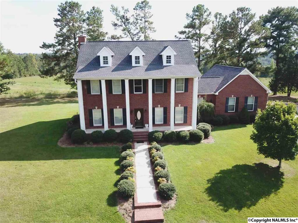 Photo of home for sale at 231 County Road 779, Holly Pond AL
