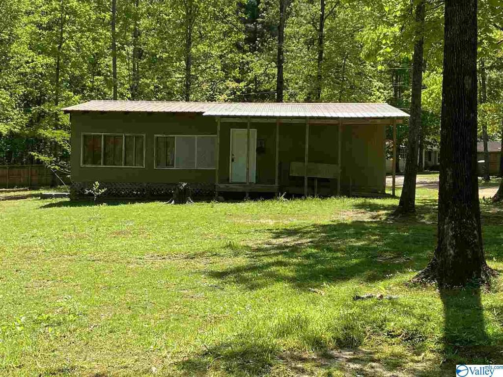 Photo of home for sale at 5840 Dogwood Lane, Cedar Bluff AL