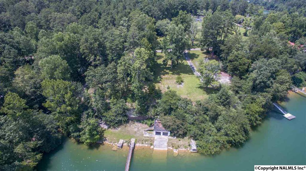 Photo of home for sale at 1545 County Road 330, Crane Hill AL