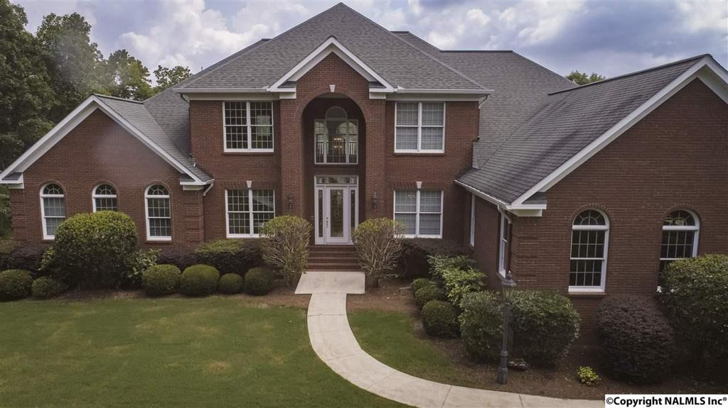Photo of home for sale at Road 9025, Fort Payne AL
