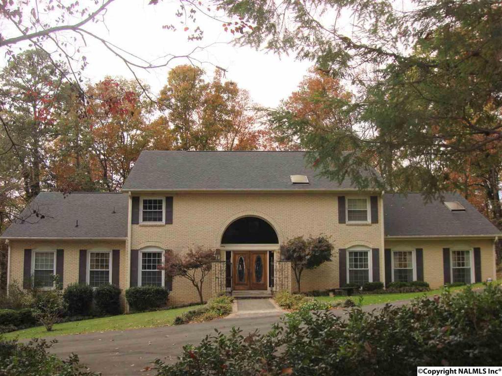 Photo of home for sale at Azalea Drive, Gadsden AL