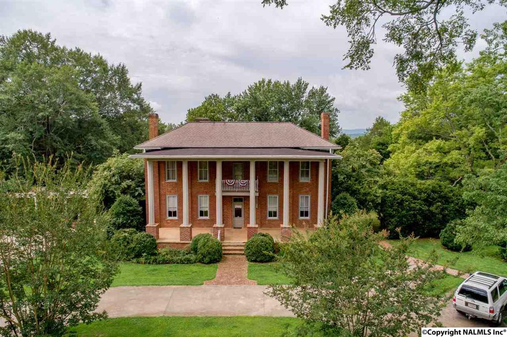 Photo of home for sale at County Road 64, Hollywood AL