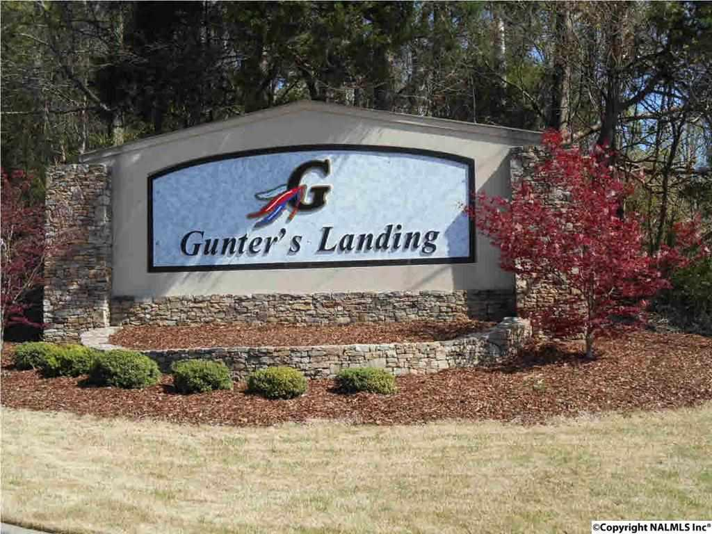 Photo of home for sale at Kemper Circle, Guntersville AL