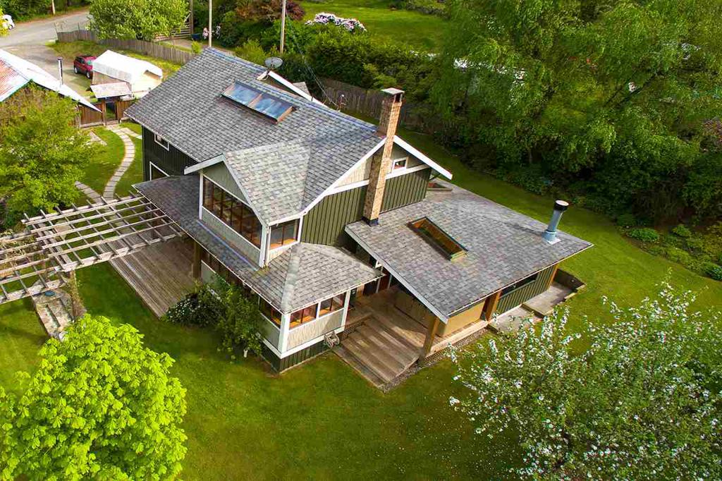 Photo of home for sale at 636 COWAN, Bowen Island BC