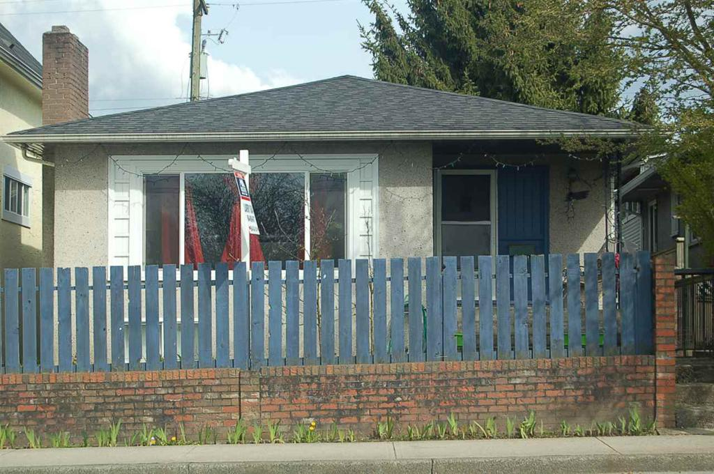Photo of home for sale at 5060 FRASER, Vancouver BC