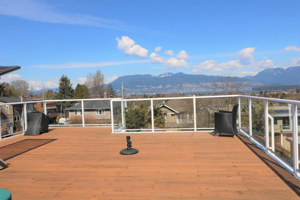 Photo of home for sale at 3275 21ST W, Vancouver BC