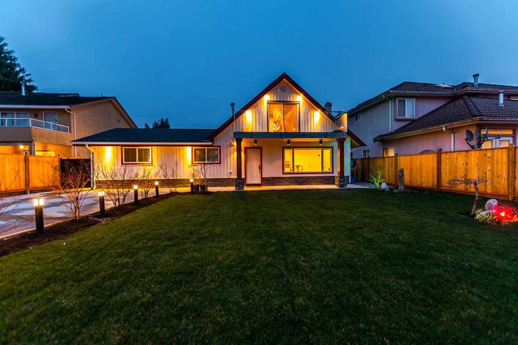 Photo of home for sale at 10491 FINLAYSON, Richmond BC