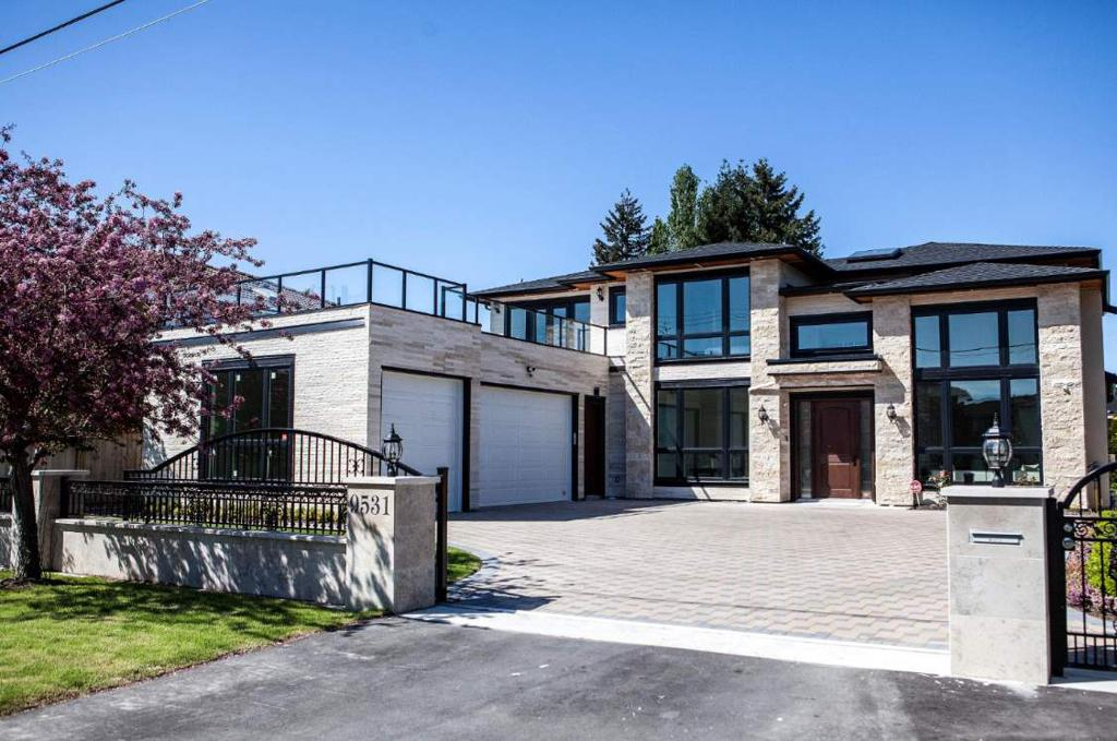 Photo of home for sale at 9531 SAUNDERS, Richmond BC
