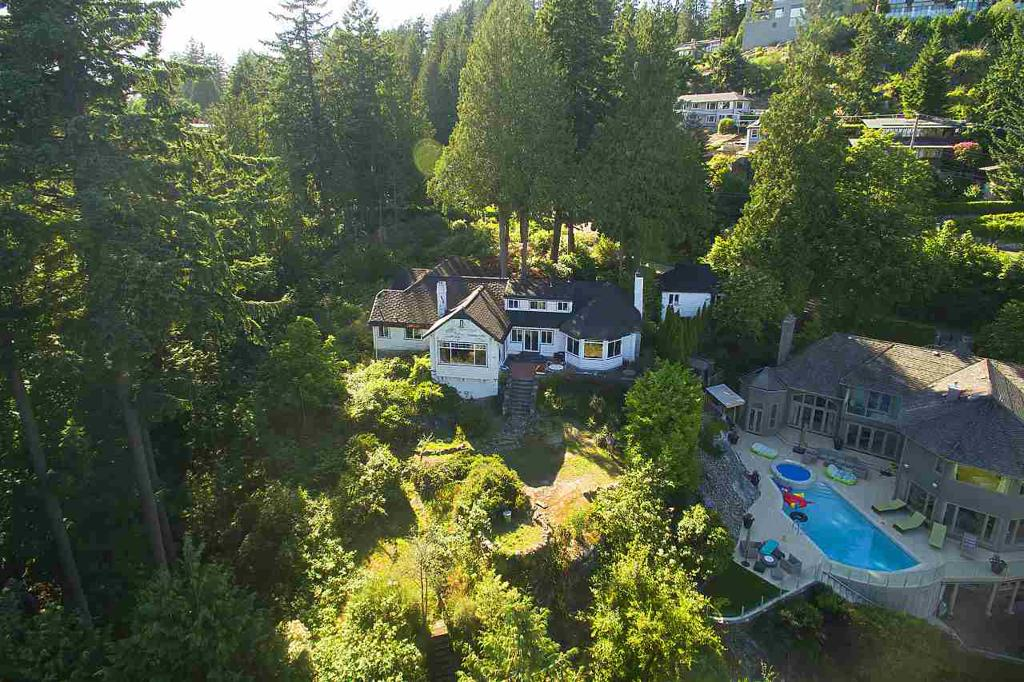 Photo of home for sale at 4670 PICCADILLY SOUTH, West Vancouver BC