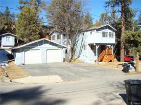 Property for sale at 230 Vista Avenue, Sugarloaf,  California 92386