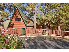 Property for sale at 1003 Fawnskin Drive, Fawnskin,  CA 92333