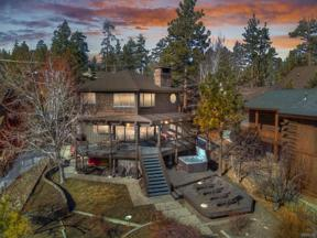 Property for sale at 40180 Lakeview Drive, Big Bear Lake,  California 92315