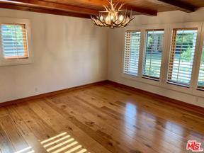 Property for sale at 4380 Hayvenhurst Ave, Encino,  California 91436