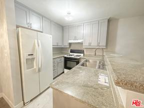 Property for sale at 18530 Hatteras St # 115, Tarzana,  California 91356