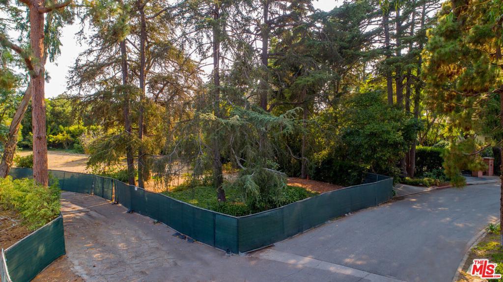 824 Woodacres Rd Santa Monica CA 90402