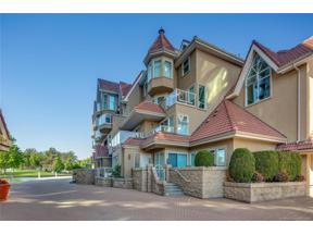 Property for sale at #112 1156 Sunset Drive,, Kelowna, British Columbia V1Y9R7
