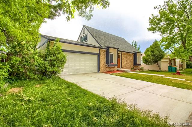 Photo of home for sale at 4817 Nucla Way South, Aurora CO