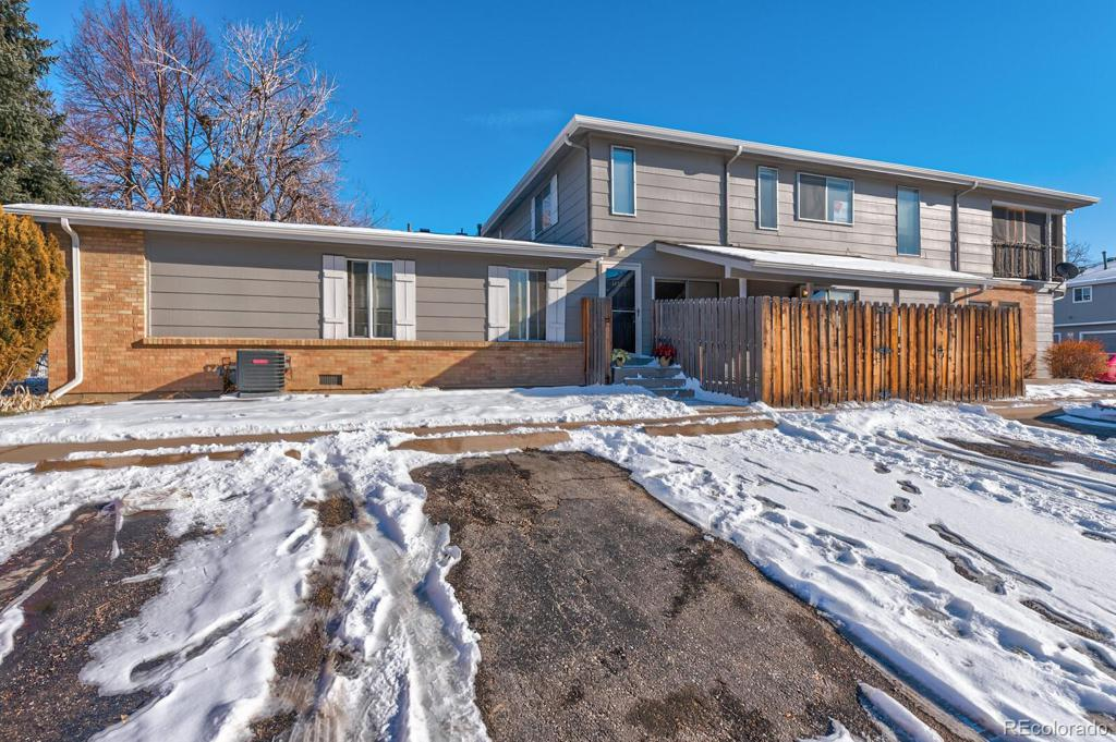 Photo of home for sale at 14522 13th Avenue E, Aurora CO