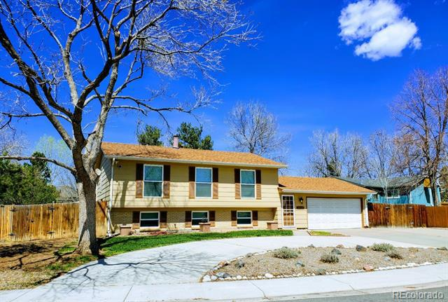 Photo of home for sale at 3663 Newcombe Way South, Lakewood CO