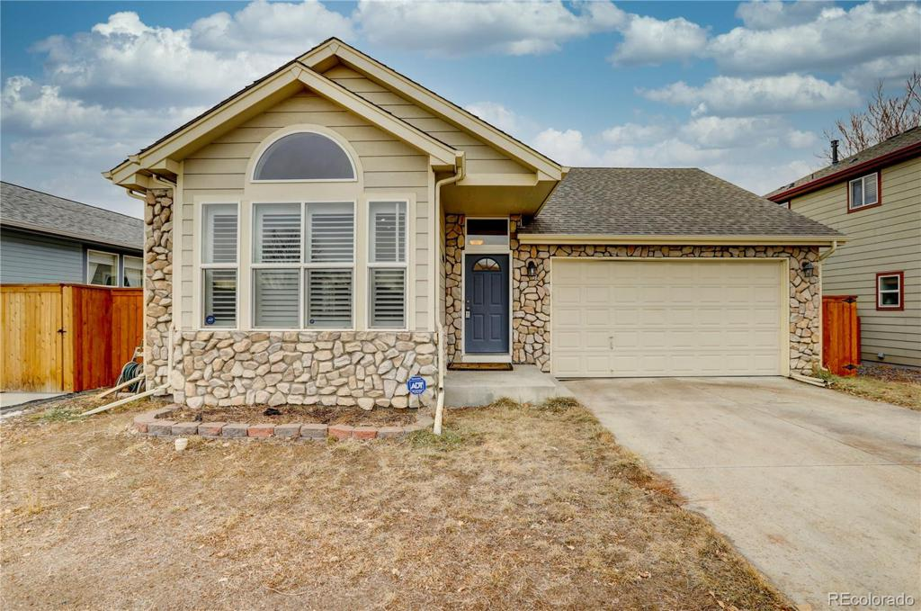 Photo of home for sale at 1025 Krameria Street S, Denver CO
