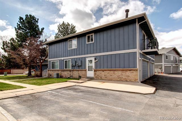 Photo of home for sale at 13377 Louisiana Avenue E, Aurora CO