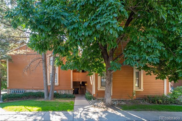 Photo of home for sale at 4271 Salida Way South, Aurora CO