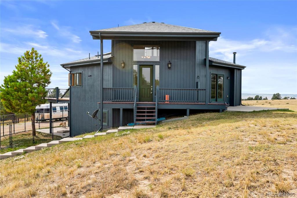 Photo of home for sale at 23150 Lost Creek Trail E, Agate CO
