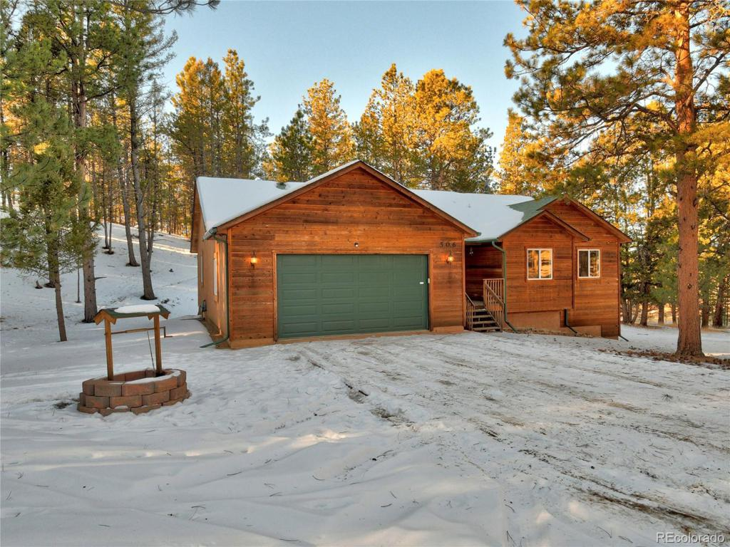 Photo of home for sale at 506 Midnight Lane, Florissant CO