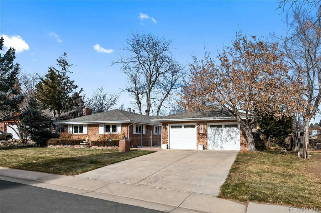 Photo of home for sale at 3027 Carter Circle, Denver CO
