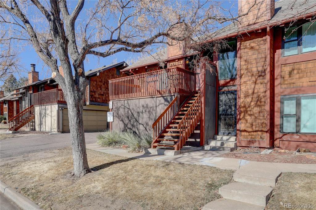 Photo of home for sale at 14227 Arizona Avenue E, Aurora CO