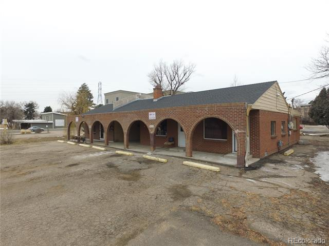 Photo of home for sale at 1429 Estes Street, Lakewood CO