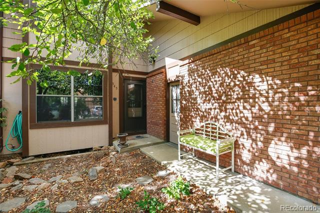 Photo of home for sale at 1345 Dogwood Lane, Longmont CO