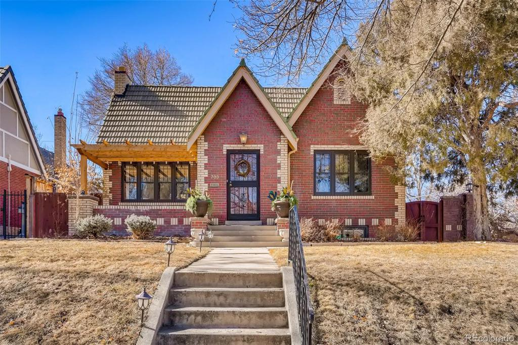 Photo of home for sale at 703 Vine Street S, Denver CO