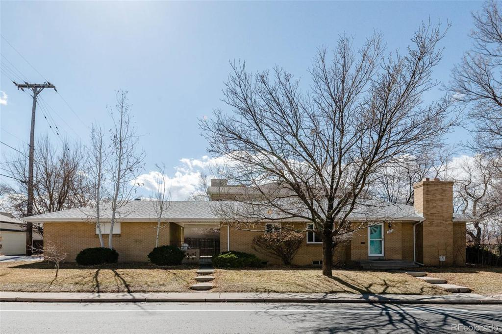 Photo of home for sale at 1500 University Boulevard S, Denver CO