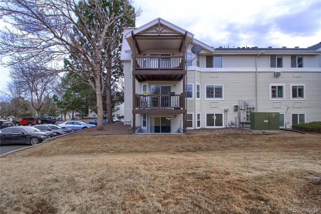 Photo of home for sale at 17301 Mansfield Avenue E, Aurora CO