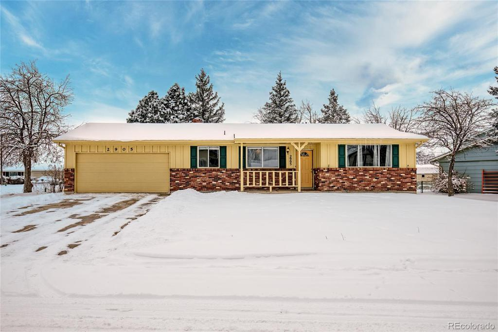 Photo of home for sale at 2905 Pinnacle Drive, Colorado Springs CO