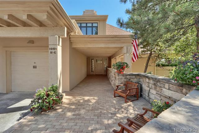 Photo of home for sale at 1009 Hummingbird Drive, Castle Rock CO