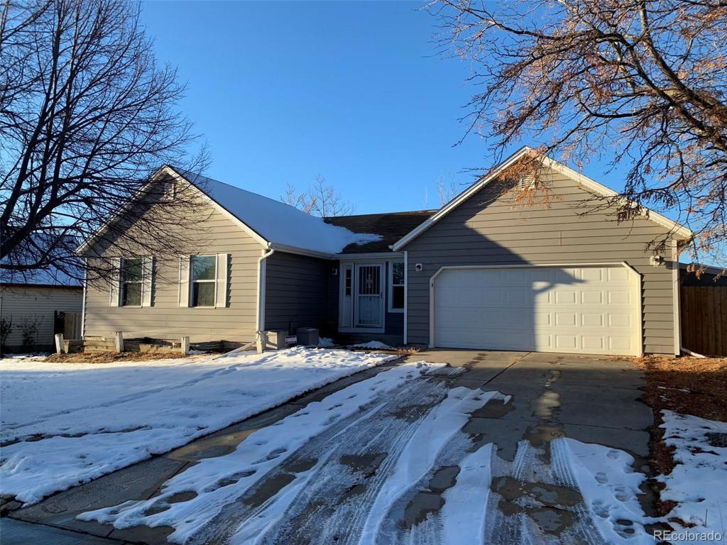 Photo of home for sale at 19417 Colorado Drive E, Aurora CO