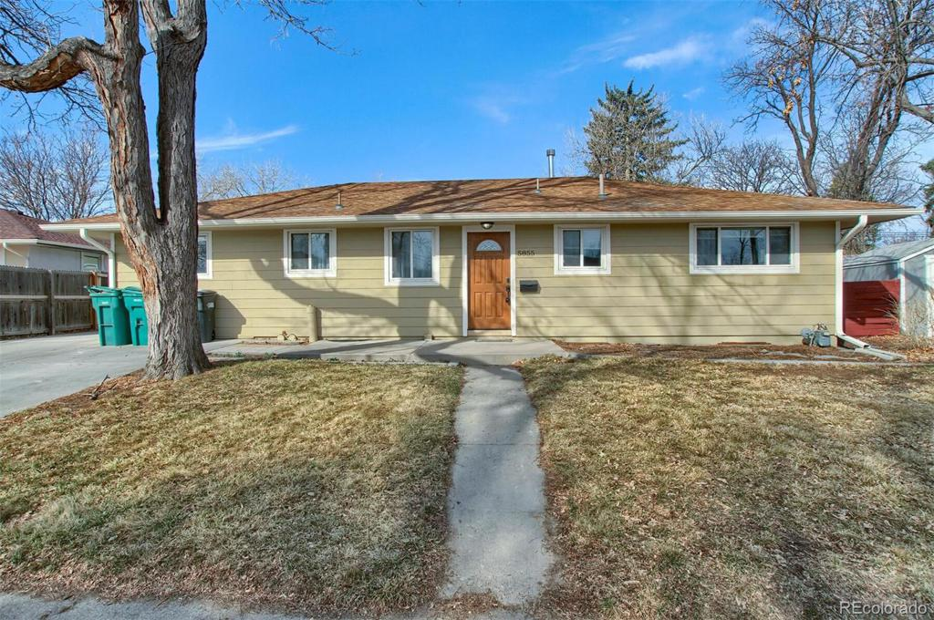 Photo of home for sale at 5855 Cherokee Street S, Littleton CO