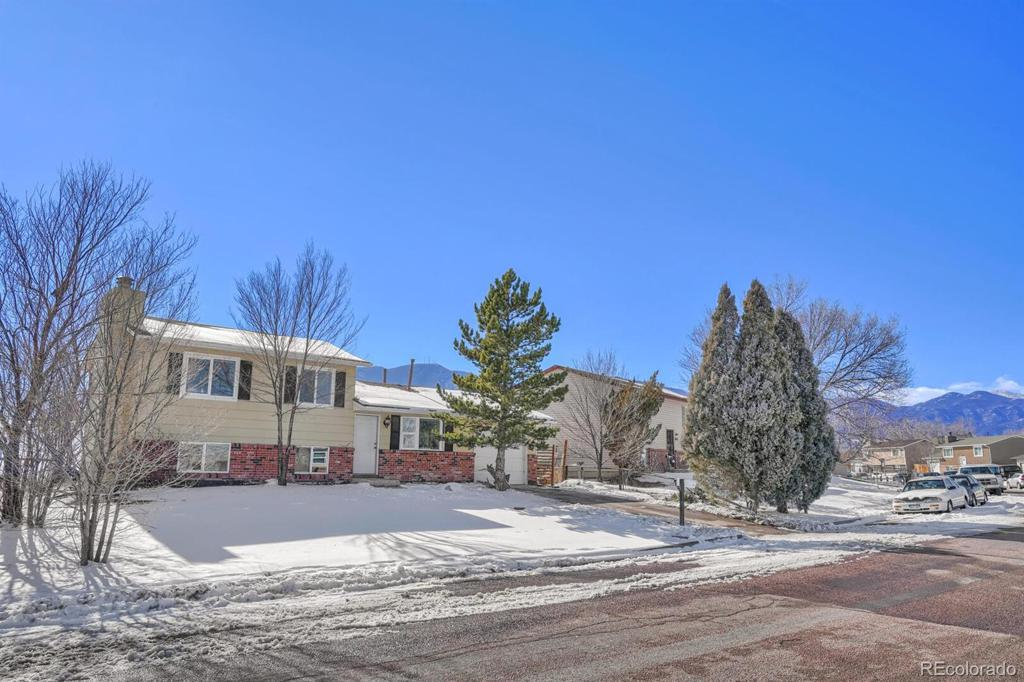 Photo of home for sale at 2043 Chamberlin, Colorado Springs CO