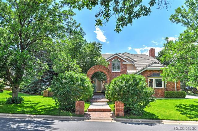 Photo of home for sale at 78 Falcon Hills Drive, Highlands Ranch CO