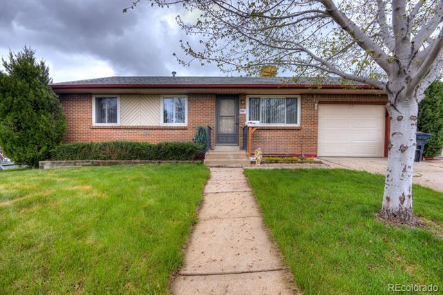Photo of home for sale at 140 Jade Street, Broomfield CO